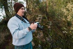 Videographer本质上与4K戏院照相机的 免版税库存图片