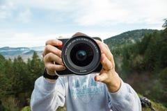 Videographer本质上与4K戏院照相机的 库存图片