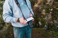 Videographer本质上与4K戏院照相机的 免版税库存照片