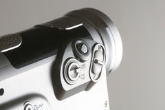 Videokamera auf Grau Lizenzfreie Stockfotos