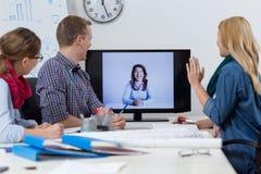 Videokonferens på kontoret Fotografering för Bildbyråer