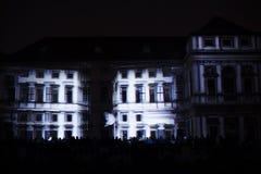 Videomappaing installation Mutis av Tigrelab projekterade på det historisk byggnadTyrs huset - festen för signalljus, Prague, 201 Royaltyfri Foto