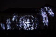 Videomappaing installation Mutis av Tigrelab projekterade på det historisk byggnadTyrs huset - festen för signalljus, Prague, 201 Arkivbilder