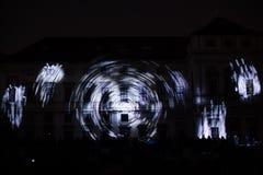 Videomappaing installation Mutis av Tigrelab projekterade på det historisk byggnadTyrs huset - festen för signalljus, Prague, 201 Royaltyfri Fotografi