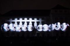 Videomappaingsinstallatie Mutis door Tigrelab bij het historische de bouwtyrs huis wordt ontworpen - signaleer licht fest, Praag, Stock Afbeeldingen