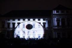 Videomappaingsinstallatie Mutis door Tigrelab bij het historische de bouwtyrs huis wordt ontworpen - signaleer licht fest, Praag, Royalty-vrije Stock Afbeelding