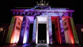 Videomapping ha proiettato al tor di Brandeburgo (porta di Brandeburgo) a Berlino durante il dodicesimo festival delle luci video d archivio