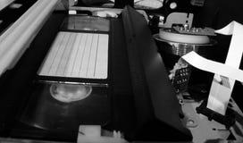 Videorecorder met videocassette stock afbeeldingen