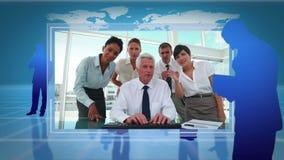 Videos von den Geschäftsleuten, die zusammen mit einer Erdbildhöflichkeit der NASAs arbeiten org