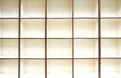 Videz de la vieille étagère en bois image stock