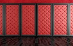 Videz la pièce avec les panneaux tapissés par rouge Images libres de droits