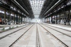 Videz le hangar de train Photographie stock