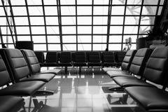 Videz le refuge de banc dans l'aéroport Photos stock