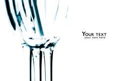 Videz les verres transparents d'isolement sur le fond blanc Co bleue Photographie stock