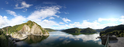 Vidraru水坝和湖 库存照片