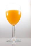 Vidrio aislado de zumo de naranja Imagenes de archivo