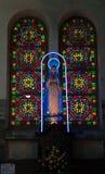 Vidrio coloreado, iglesia manchada de la ventana gótica Imagen de archivo libre de regalías