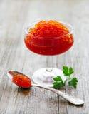 Vidrio con el caviar rojo delicioso imagen de archivo libre de regalías