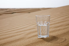 Vidrio de agua Fotos de archivo