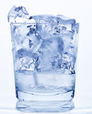 Vidrio de agua. Foto de archivo libre de regalías