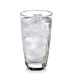 Vidrio de agua muy fría Foto de archivo libre de regalías