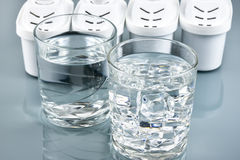 Vidrio de agua potable limpia Imagen de archivo