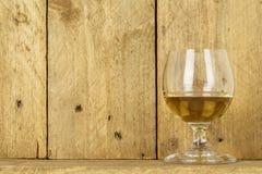 Vidrio de alcohol imagenes de archivo