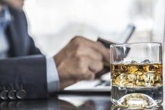 Vidrio de alcohol imágenes de archivo libres de regalías