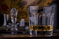 Vidrio de alcohol del whisky imagen de archivo libre de regalías