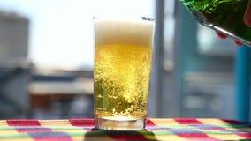 Vidrio de cerveza metrajes