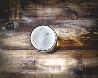 Vidrio de cerveza con la espuma, visión superior Imagen de archivo