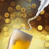Vidrio de cerveza fría Imagenes de archivo