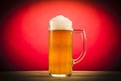 Vidrio de cerveza ligera Fotos de archivo