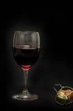 Vidrio de corcho del vino rojo y del champán Fotografía de archivo