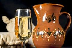 Vidrio de jerez del fino Vino de Manzanilla Fotografía de archivo