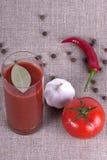 Vidrio de jugo de tomate fotografía de archivo libre de regalías