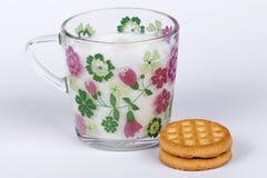 Vidrio de leche Fotografía de archivo libre de regalías