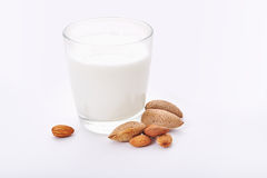 Vidrio de leche de la almendra Fotografía de archivo libre de regalías
