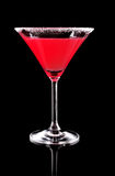 Vidrio de Martini con el coctail rojo Imagen de archivo libre de regalías