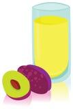 Vidrio de Plum Juice fresca Imagenes de archivo
