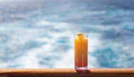 Vidrio de salida del sol del tequila en el barco de cruceros Foto de archivo libre de regalías