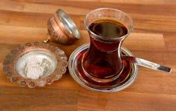 Vidrio de té turco fotografía de archivo