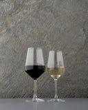 Vidrio de vino blanco rojo y Fotografía de archivo
