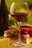 Vidrio de vino rojo al aire libre Fotografía de archivo