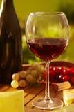 Vidrio de vino rojo al aire libre Imágenes de archivo libres de regalías