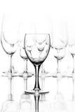 Vidrio de vino vacío en el fondo blanco Foto de archivo libre de regalías