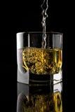 Vidrio de whisky. foto de archivo