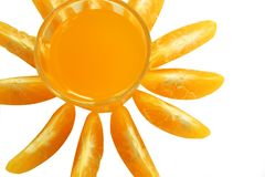 Vidrio del aislante del zumo de naranja y de la mandarina en el fondo blanco imagenes de archivo
