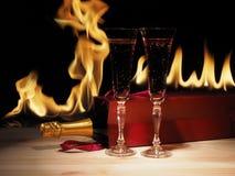 Vidrio del champán y de la botella en caja Vector de madera imágenes de archivo libres de regalías