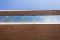 Vidrio del hormigón de la sección del pórtico del edificio Fotografía de archivo